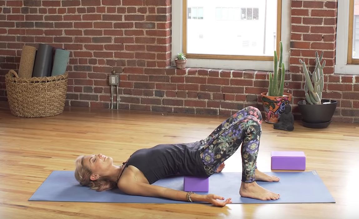 7 простых асан с блоками для йоги - инструкция с фото